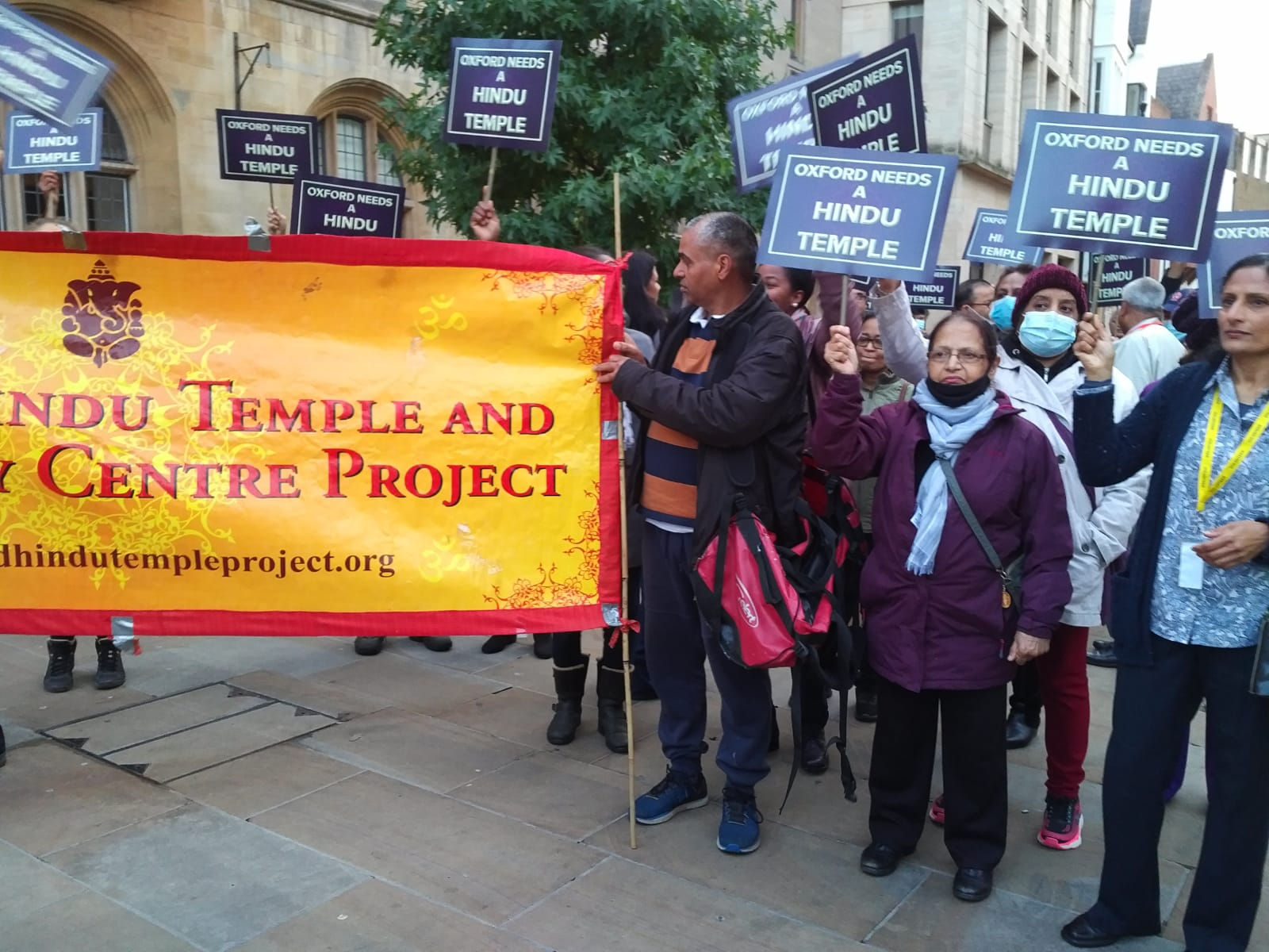 Protestors from the Oxford Hindu Community protesting with signs and banners demanding a Hindu Temple and Community Centre.